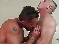 Pater Kisses