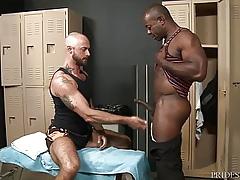 ExtraBigDicks - Aaron Instructor Can't Shutters His Weighty Howler
