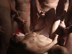 Orgy fond hunks cum squirting august